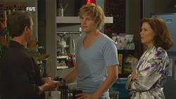 Paul Robinson, Andrew Robinson, Rebecca Napier in Neighbours Episode 5959