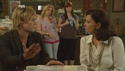Andrew Robinson, Natasha Williams, Summer Hoyland, Diana Marshall in Neighbours Episode 5960