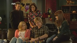 Paul Robinson, Natasha Williams, Rebecca Napier, Andrew Robinson, Summer Hoyland in Neighbours Episode 5962
