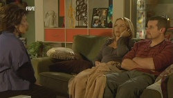 Lyn Scully, Steph Scully, Toadie Rebecchi in Neighbours Episode 5964