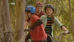 Callum Jones, Toadie Rebecchi, Sophie Ramsay in Neighbours Episode 5964