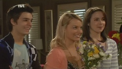 Zeke Kinski, Donna Freedman, Kate Ramsay in Neighbours Episode 5964