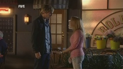 Andrew Robinson, Natasha Williams in Neighbours Episode 5968