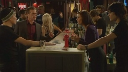 Paul Robinson, Rebecca Napier, Declan Napier in Neighbours Episode 5970