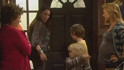 Lyn Scully, Libby Kennedy, Charlie Hoyland, Ben Kirk, Steph Scully in Neighbours Episode 5970