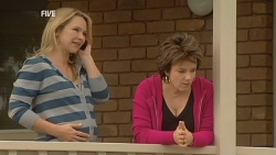 Steph Scully, Lyn Scully in Neighbours Episode 5970