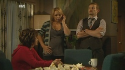 Lyn Scully, Steph Scully, Toadie Rebecchi in Neighbours Episode 5970