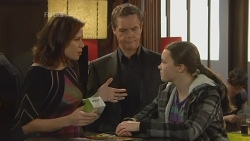 Rebecca Napier, Paul Robinson, Sophie Ramsay in Neighbours Episode 5972