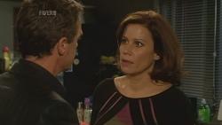 Paul Robinson, Rebecca Napier in Neighbours Episode 5972