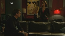 Paul Robinson, Rebecca Napier in Neighbours Episode 5973