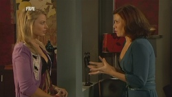Donna Freedman, Rebecca Napier in Neighbours Episode 5973