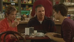 Susan Kennedy, Karl Kennedy, Zeke Kinski in Neighbours Episode 5973