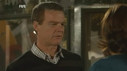 Paul Robinson in Neighbours Episode 5973