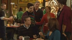 Toadie Rebecchi, Paul Robinson, Zeke Kinski, Karl Kennedy, Susan Kennedy, Rebecca Napier, Declan Napier in Neighbours Episode 5973
