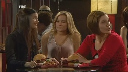 Natasha Williams, Kirsty Maguire in Neighbours Episode 5973