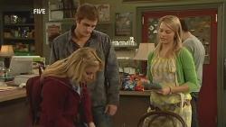Natasha Williams, Kyle Canning, Donna Freedman in Neighbours Episode 5974
