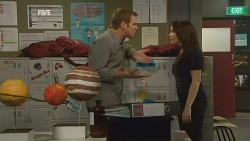Michael Williams, Libby Kennedy in Neighbours Episode 5974