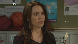 Libby Kennedy in Neighbours Episode 5974