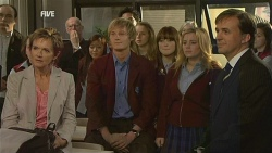 Susan Kennedy, Andrew Robinson, Summer Hoyland, Natasha Williams, David Whitaker in Neighbours Episode 5975