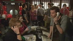 Ringo Brown, Kate Ramsay, Zeke Kinski, Donna Freedman, Declan Napier, Lucas Fitzgerald in Neighbours Episode 5976