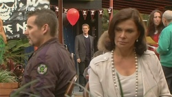 Toadie Rebecchi, Paul Robinson, Diana Marshall in Neighbours Episode 5976
