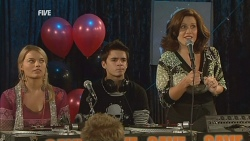 Donna Freedman, Zeke Kinski, Rebecca Napier in Neighbours Episode 5976
