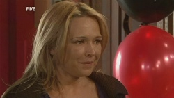 Steph Scully in Neighbours Episode 5976