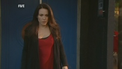 Libby Kennedy in Neighbours Episode 5977