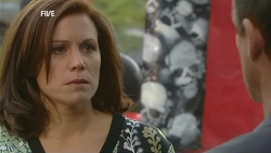 Rebecca Napier, Paul Robinson in Neighbours Episode 5977