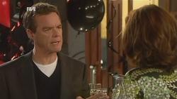 Paul Robinson, Rebecca Napier in Neighbours Episode 5977
