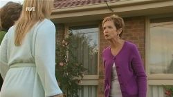 Lyn Scully, Steph Scully, Susan Kennedy in Neighbours Episode 5977