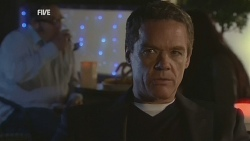 Paul Robinson in Neighbours Episode 5977