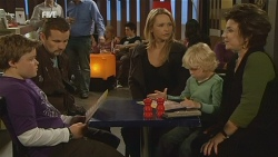 Callum Jones, Toadie Rebecchi, Steph Scully, Charlie Hoyland, Lyn Scully in Neighbours Episode 5977