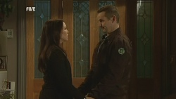 Libby Kennedy, Toadie Rebecchi in Neighbours Episode 5977