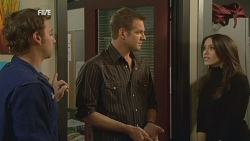 Lucas Fitzgerald, Michael Williams, Libby Kennedy in Neighbours Episode 5978