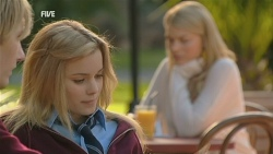 Andrew Robinson, Natasha Williams, Donna Freedman in Neighbours Episode 5978
