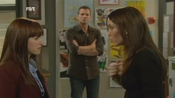 Summer Hoyland, Michael Williams, Libby Kennedy in Neighbours Episode 5978