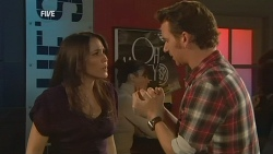 Libby Kennedy, Lucas Fitzgerald in Neighbours Episode 5979