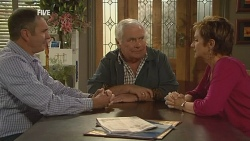 Karl Kennedy, Lou Carpenter, Susan Kennedy in Neighbours Episode 5980