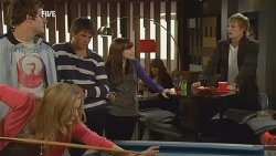 Natasha Williams, Kyle Canning, Chris Pappas, Summer Hoyland, Andrew Robinson in Neighbours Episode 5980
