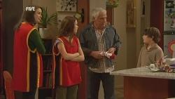 Kate Ramsay, Sophie Ramsay, Lou Carpenter, Ben Kirk in Neighbours Episode 5980