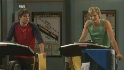 Chris Pappas, Andrew Robinson in Neighbours Episode 5980