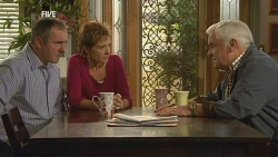 Karl Kennedy, Susan Kennedy, Lou Carpenter in Neighbours Episode 5980