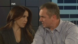 Libby Kennedy, Karl Kennedy in Neighbours Episode 5981