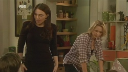 Ben Kirk, Libby Kennedy, Steph Scully in Neighbours Episode 5981