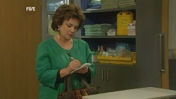 Lyn Scully in Neighbours Episode 5982