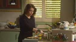 Libby Kennedy in Neighbours Episode 5982