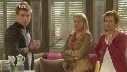 Ringo Brown, Donna Freedman, Susan Kennedy in Neighbours Episode 5982