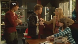 Declan Napier, Ringo Brown, Donna Freedman, Kate Ramsay in Neighbours Episode 5982