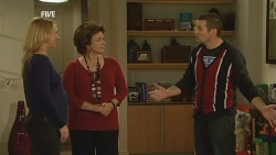 Steph Scully, Lyn Scully, Toadie Rebecchi in Neighbours Episode 5982